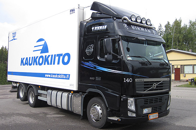 Volvo-FH-520-musta-3