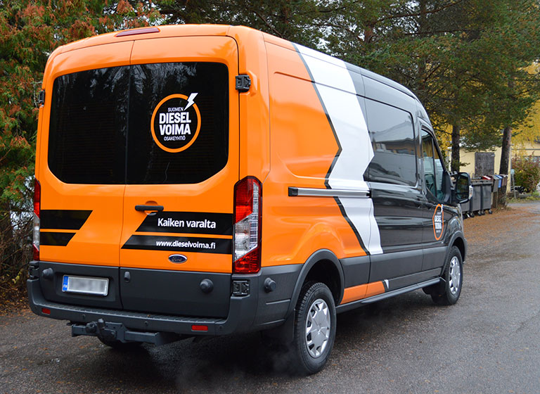 Ajaks-line-dieselvoima-pakettiauto