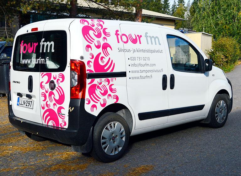 Ajaks-line-fourfm-pakettiauto